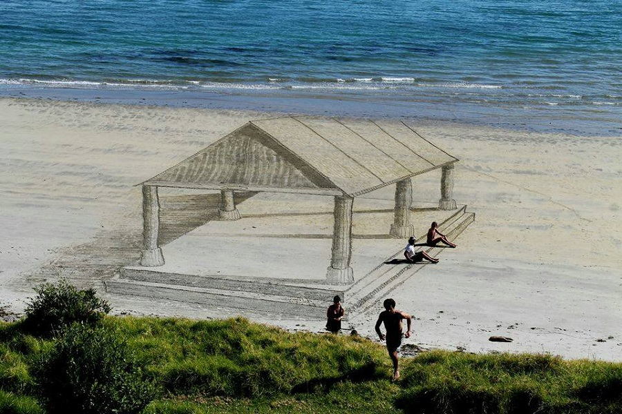 Jamie Harkins - 3D Beach Art