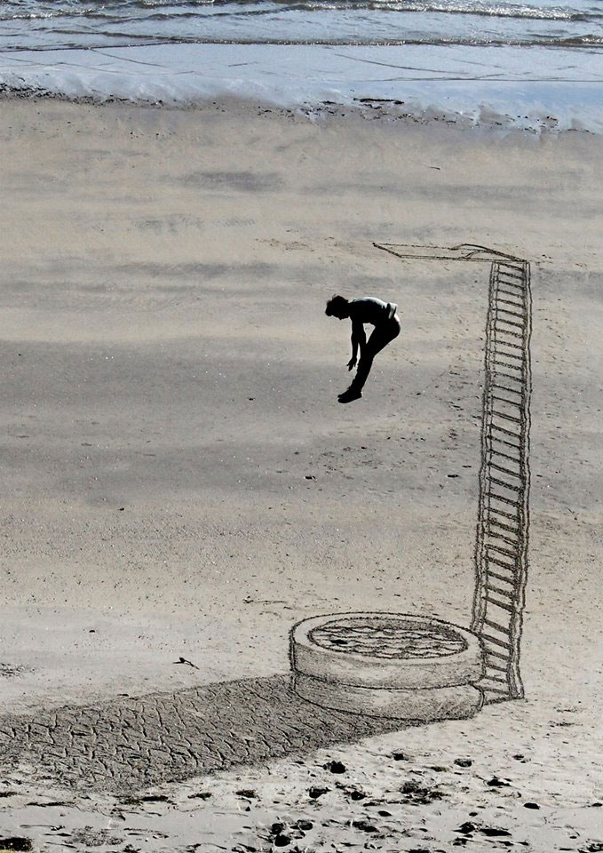 Jamie Harkins - 3D Beach Art