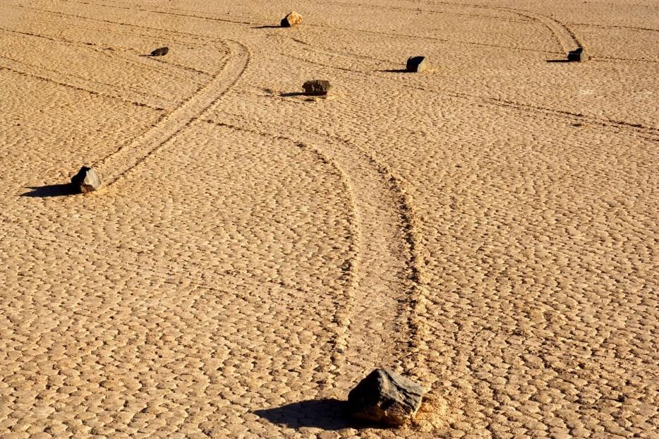 Sailing-Stones-Death-Valley