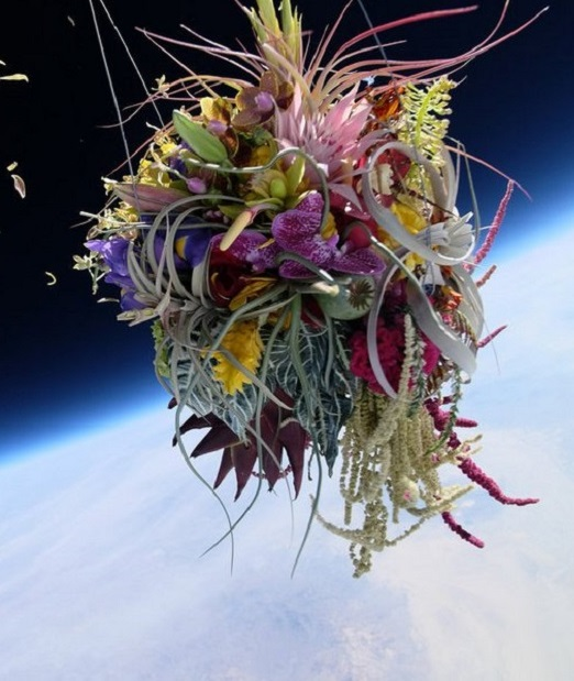 Makoto Azuma – Botanical Space Flight  – Bouquet Flowers – Feature