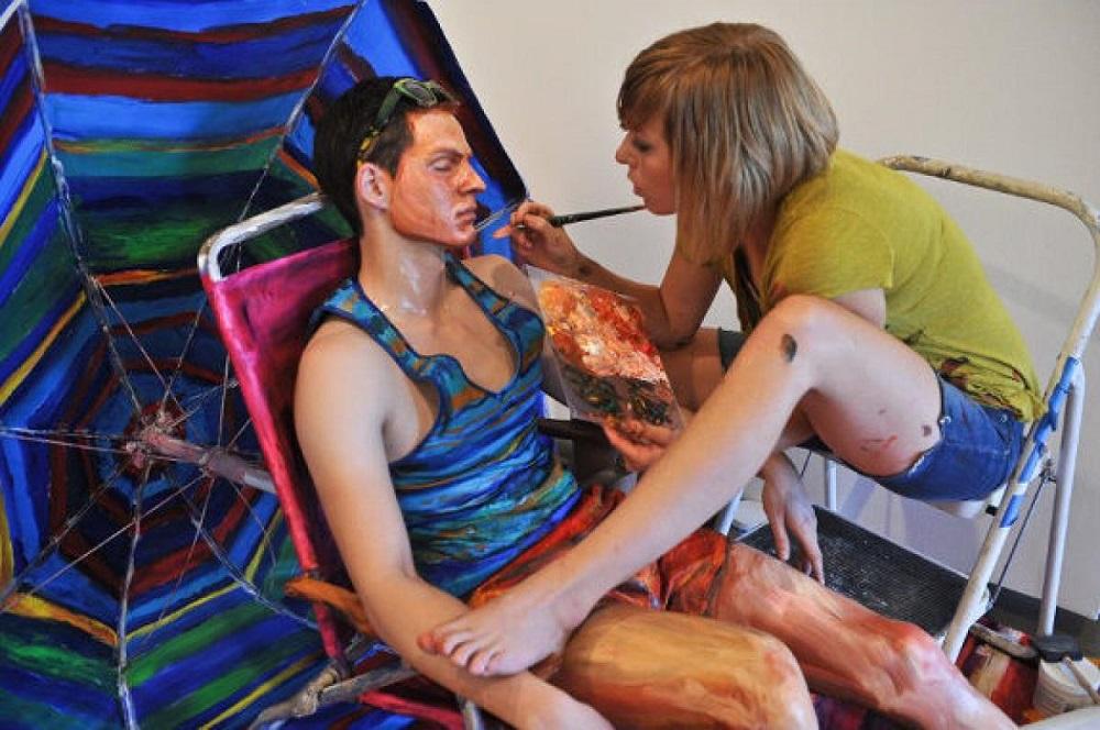 Alexa Meade - Painting - Body Canvas 9565663