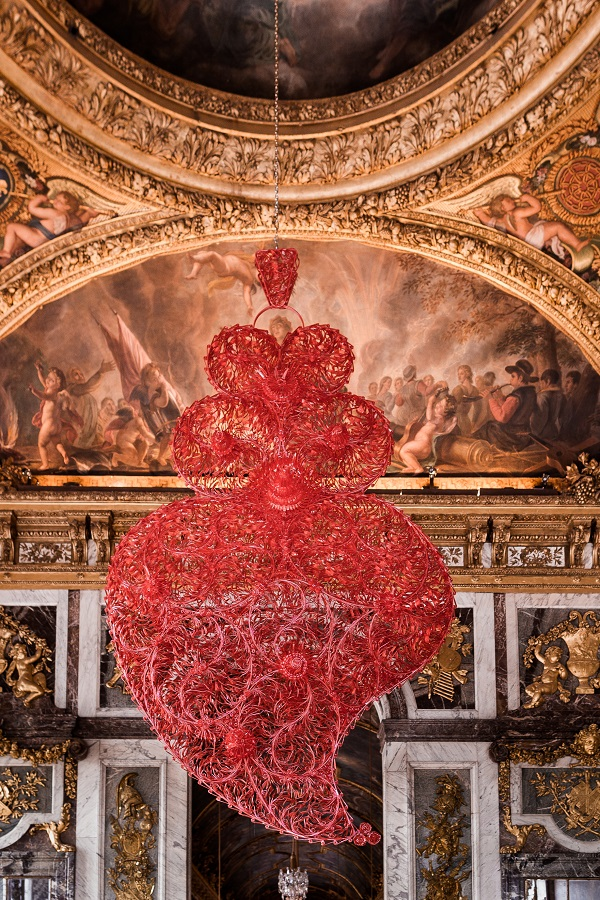 Joana Vasconcelos – Red Independent Heart