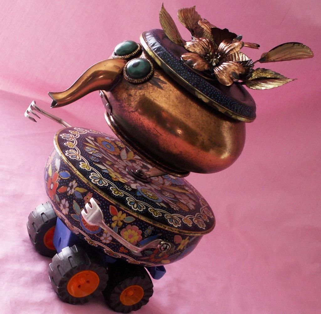 MYRTLE - The Hot-Rod Grandma Robot