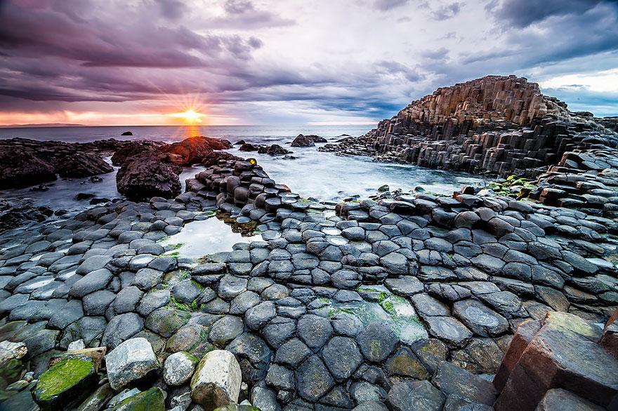 10-Giants Causeway Beach, Ireland