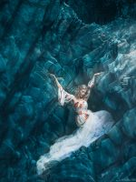Surreal Underwater Photography Captured by Sam Breach