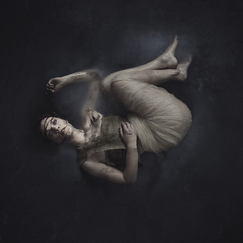 Brooke Shaden-Surreal-Photography-09931f_b