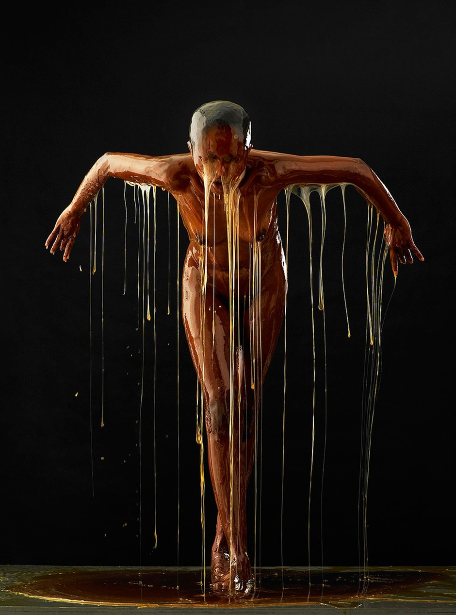 Blake-Little-photography-human-body-honey-preservation-41563