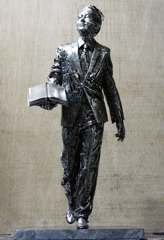 Jordi Diez Fernandez -Steel Sculptures Lee Kuan Yew