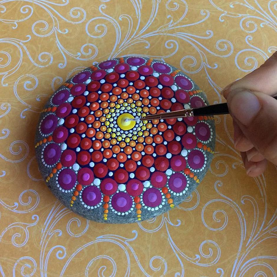 Elspeth McLean-mandala-stones-5389