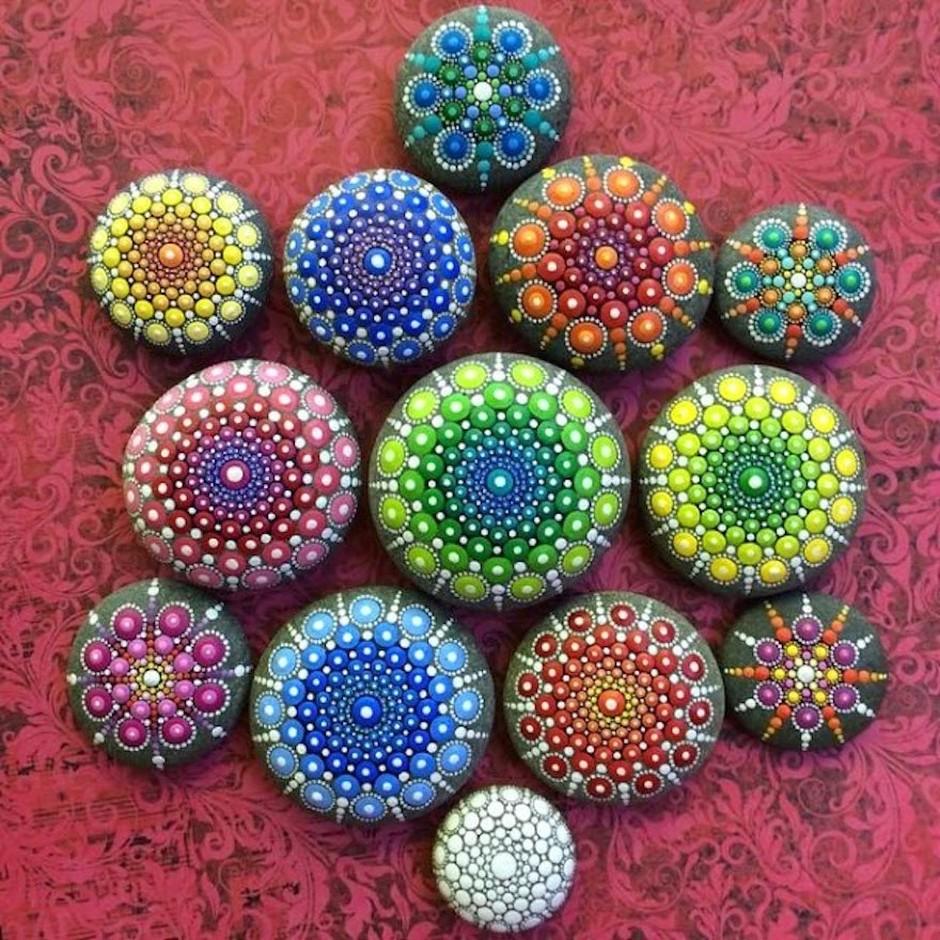 Elspeth McLean-mandala-stones-7849