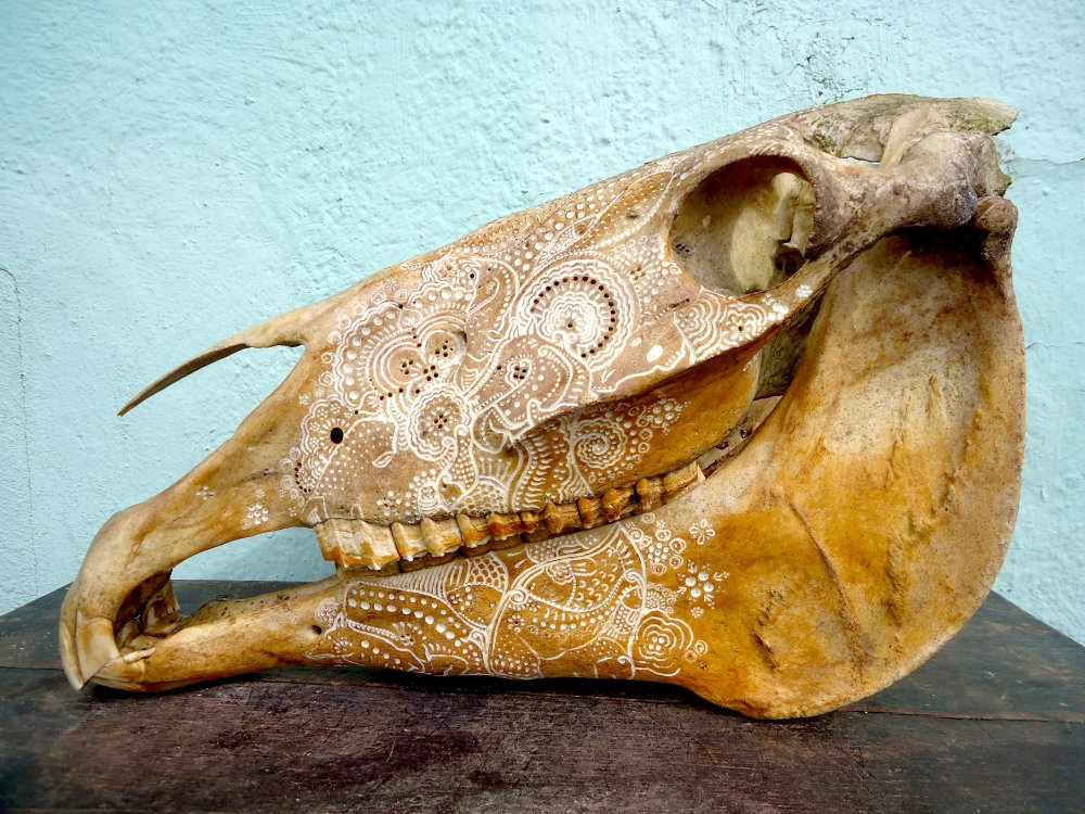 Jason Borders carved-bone-horse-458