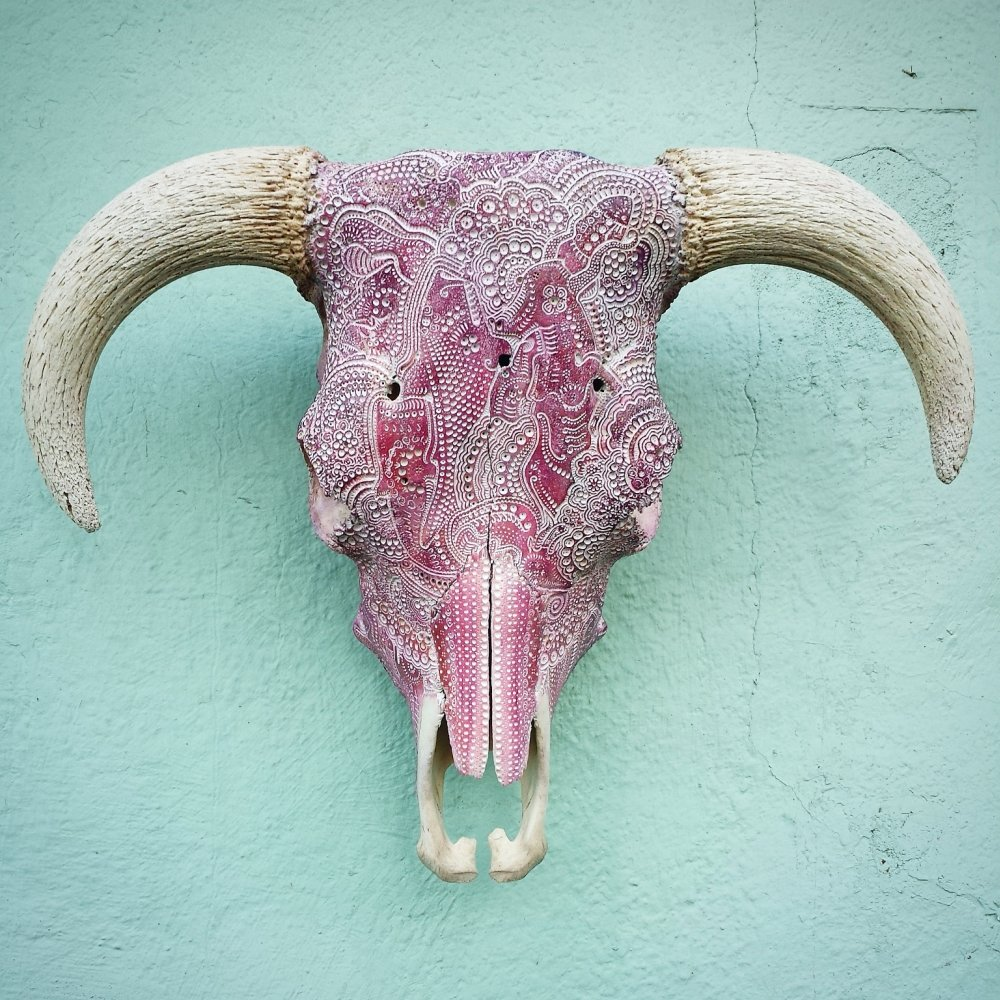 Jason Borders carved bone skull-bull