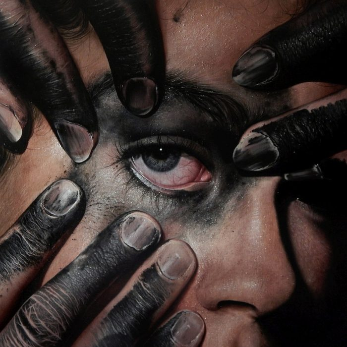 Kit King's Hyper-realistic Oil Paintings Capture The Delicate Details And Emotions Of Her Subjects