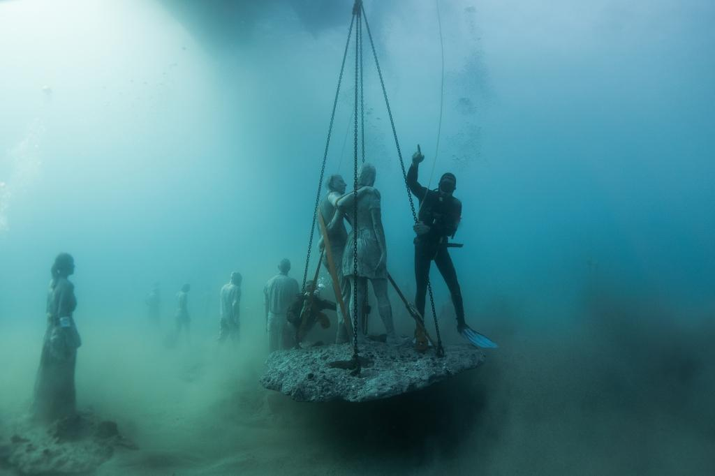 Jason_deCaires_Taylor_sculpture-under water Museum-02563