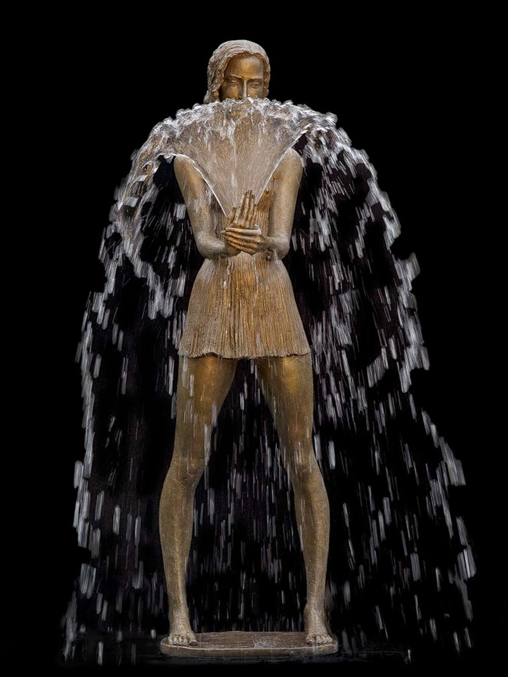 Frau mit Faecher, Brunnen, Springbrunnen, Skulptur, Plastik aus Bronze von Malgorzata Chodakowska